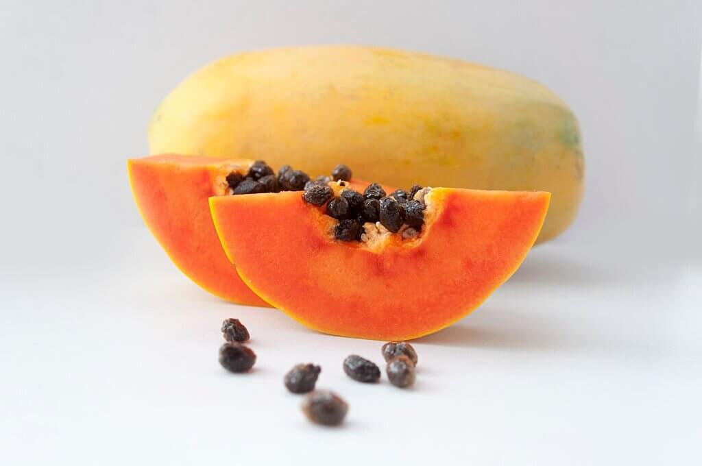 papaya fruits and seeds